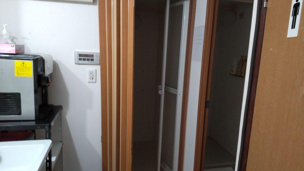 ラッキーホステルのシャワールーム