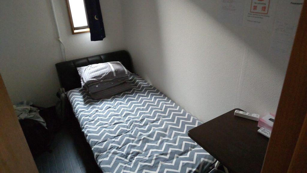 ラッキーホステルの個室
