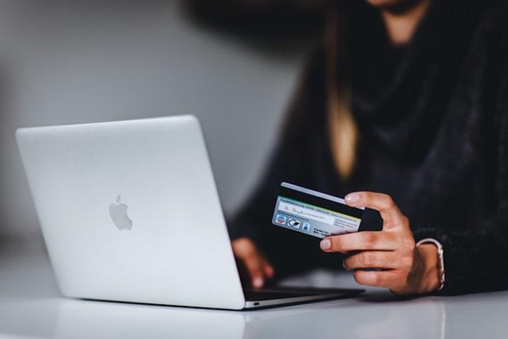 クレジットカードとmacbook